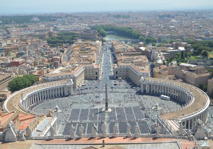 Rzym - widok na Plac Św. Piotra z kopuły Bazyliki