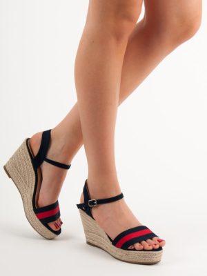 Casualowe sandały na koturnie espadryle